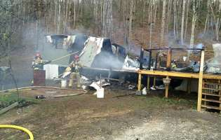 Grandmother, 2 children escape injury in mobile home fire