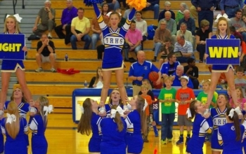 Lady Devildogs to host cheerleading camp